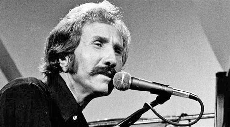 A Tribute To Marty Robbins: A Country Music Chart-Topper