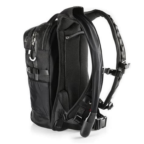 Wolffepack Summit, The Ultimate Backpack for Snowsports