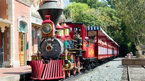 Top 10 Disneyland Experiences for Toddlers - Bucket List