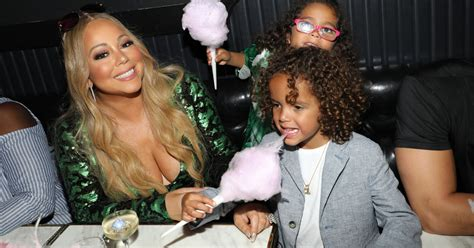 Mariah Carey's Twins Sing Back Up On Their Mom's Hit